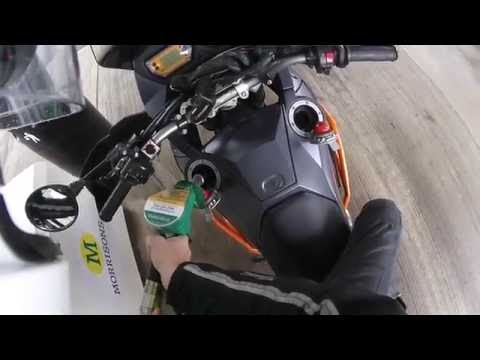 Fuelling a KTM 990 Adventure - Fill her up!
