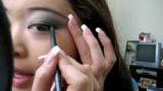 How to apply eyeliner (Check out my makeup BLOG)