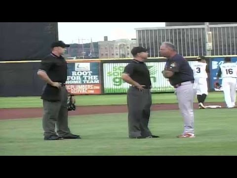 Peoria manager Joe Kruzel gets ejected
