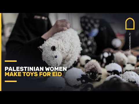 Palestinian women make toys for Eid