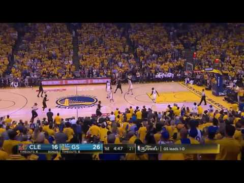 Mike Fratello breaks down an out of bounds play by Warriors and Cavaliers defense on game 2 2017