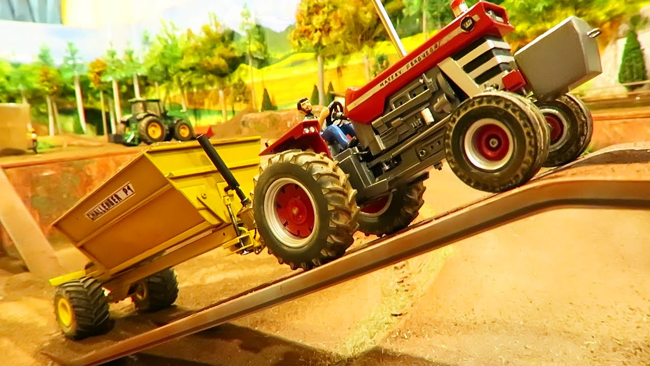 RC TRACTOR 1/32 PULLING HEAVY  MACHINERY ON THE FARM   / MASSEY FERGUSON FARMING ACTION