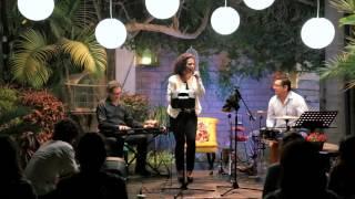 Gisella Altuna - Allí Viene la Negra (G.A.)