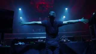 Gambar cover BORGEOUS - Live in Los Angeles (Invincible)