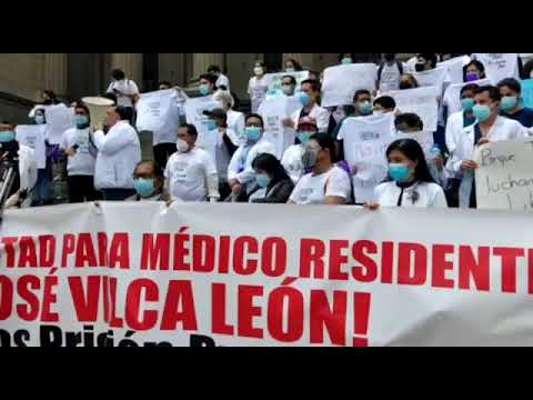 Médicos del hospital Rebagliati exigen libertad de residente Juan José Vilca León  3/4