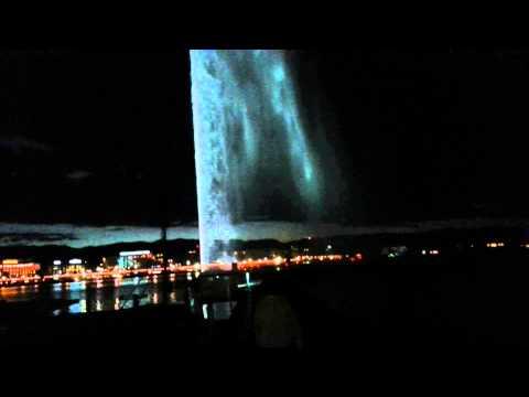 Jet d'eau Genève / Geneva fountain by night
