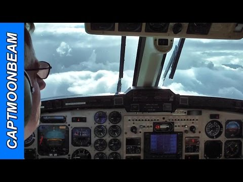 Snow and Ice, King Air 350 landing Eagle Colorado ATC Radio