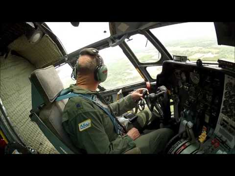 Air Heritage Fairchild C-123K Thunder Pig - Maneuvers and Landings