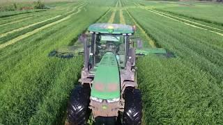 First Cut Grass 2018    HvW Custom    John Deere 7215R Triple Cut 388 Mower Conditioner