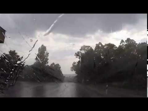 Una tormenta deja agua y granizo en A Cañiza