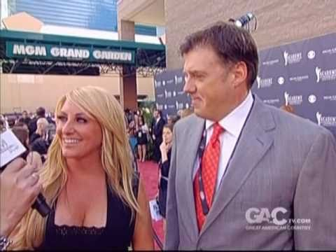 Lee Ann Womack Red Carpet Interview ACM Awards 2011
