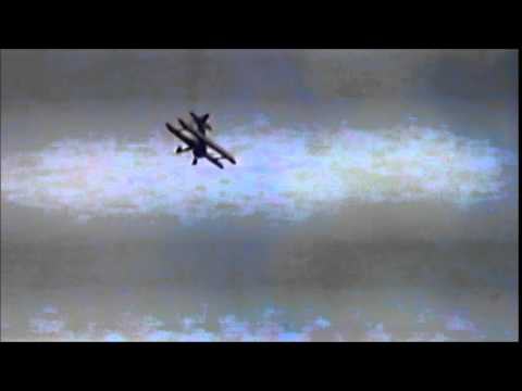 • Moody Air Fest 2005: Bobby Younkin in The Samson Bi-Plane & C-130-E Departure.wmv