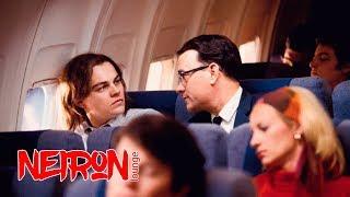 """Фрэнк узнает о смерти своего отца. Побег из самолета. """"Поймай меня, если сможешь"""" — 2002"""