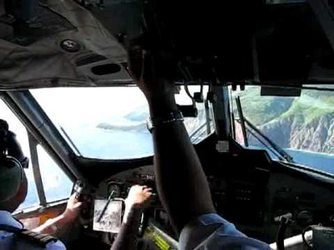 Landing on World's shortest commercial runway