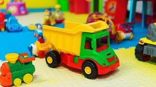 Wow! Wow! Wow! Khmer kid play car toy!