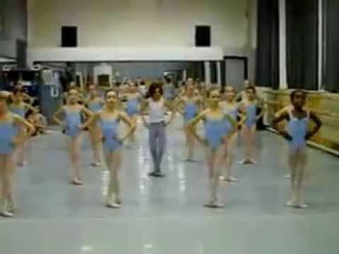 lop hoc mua ballet cho tre em he 2013:TT van hoa nghe thuat 63 an duong vuong 094 68 369 68