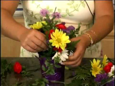 Floral Design w/ Deborah Dolen 102 in Containers DEMO Mabel White DIY produced by Deborah Dolen