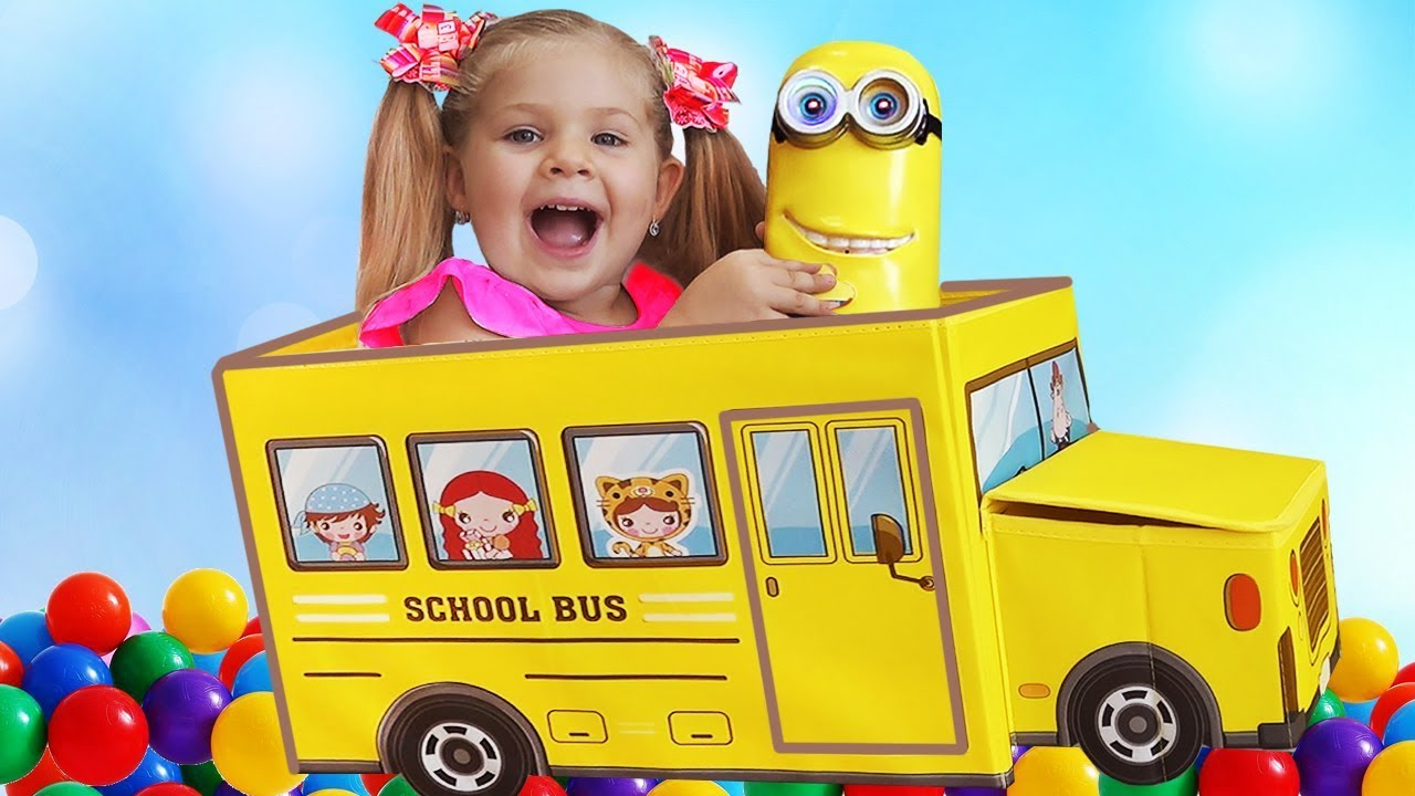 Diana pretend play with new toys for children, Wheels on the Bus song by Kids Roma Show!