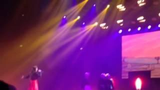 Ancora qui - Elisa Live Palalottomatica 15 marzo 2014