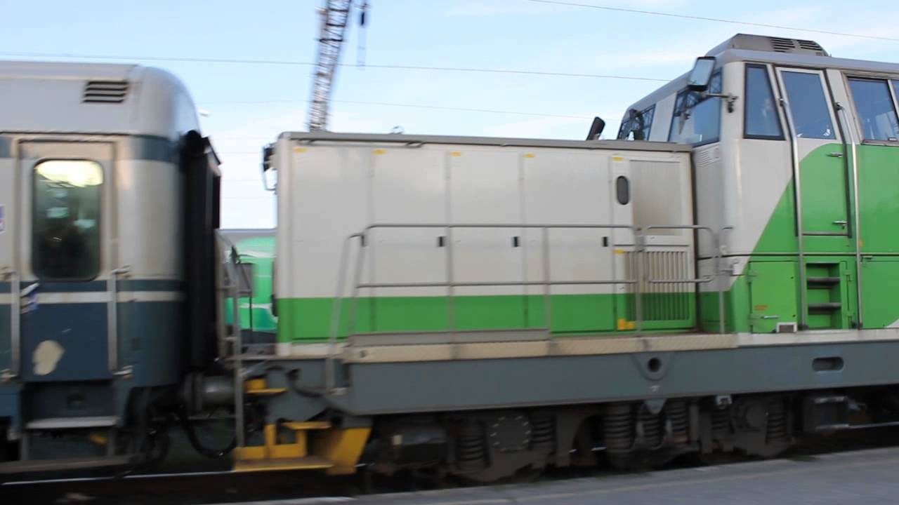 VR Dr16 2817 and 2805 @ Oulu (Dynamic braking sound) - YouTube