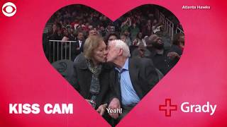 Former President Jimmy Carter and his wife Rosalynn caught on kiss cam | 10News WTSP