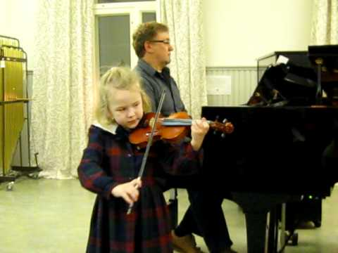 Ellen(6) plays Purcell´s Rigaudon
