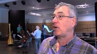 Georges Schmitt et la chorale Handivoix, au Champ de Mars à Paris