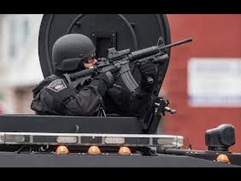 Boston Bombing: Watertown Operation: SWAT team secures houses ...