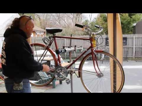 Schwinn World Tourist - Vintage Bike Check - BikemanforU