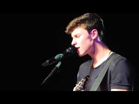 Shawn Mendes in Madrid: Act like you love me