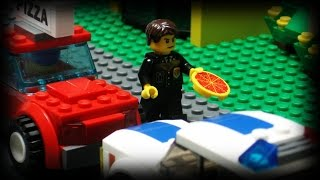 Lego Pizza Delivery 4(The battle continues for one poor delivery man. Who will get the pizza this time?, 2011-12-25T21:55:05.000Z)