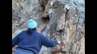 Sacando una Geoda de Cuarzo Amatista con Franki en la M. los Angeles, Sevilla - Video 6