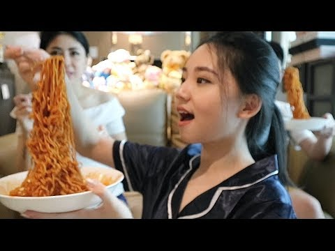 SAMYANG 2x (NUCLEAR) SPICY CHALLENGE with mom and brother