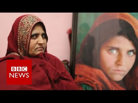 Afghan 'green-eyed girl' on her future - BBC News