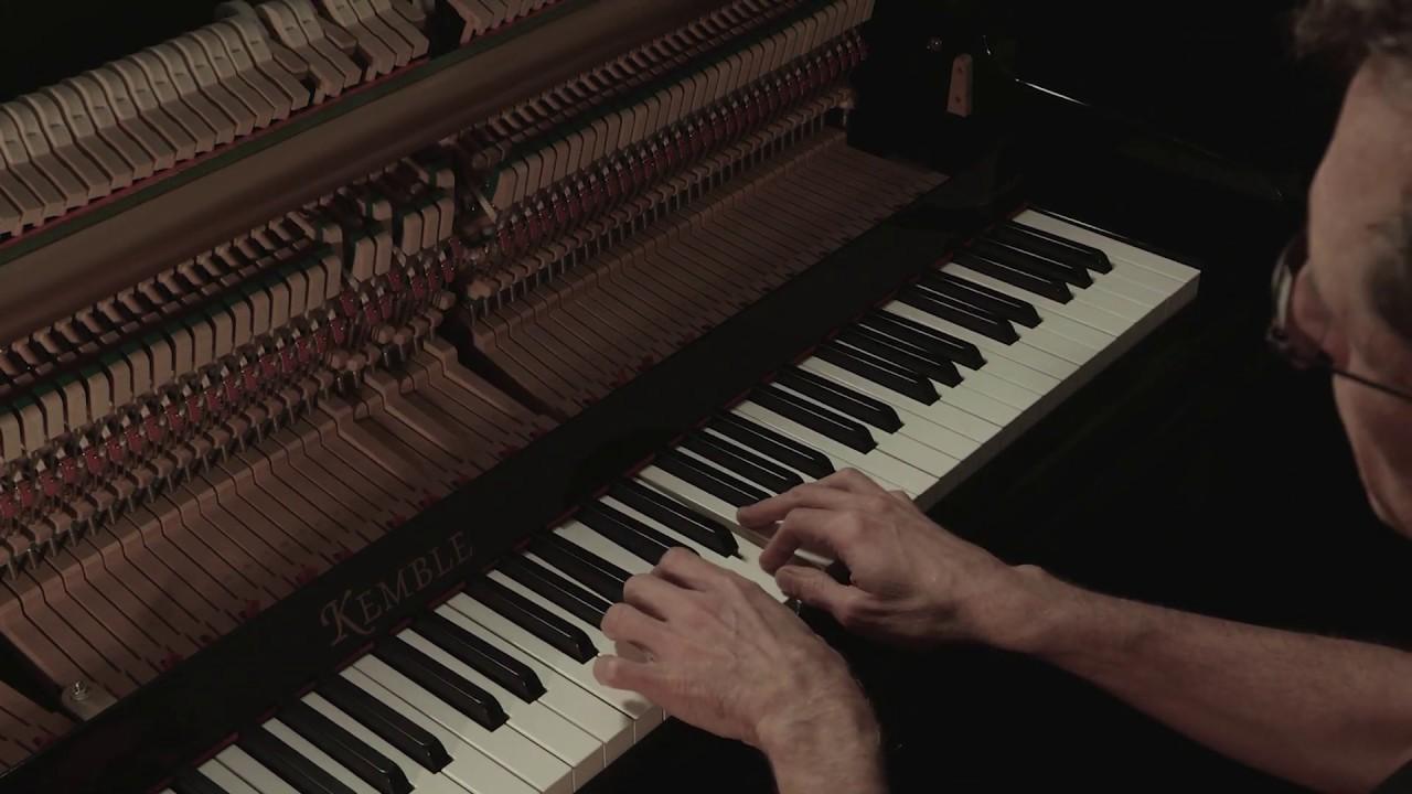 Berceuse - Erik Satie performed by Gavin Greenaway