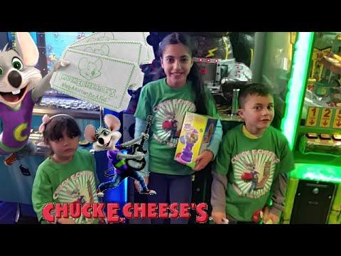 Chuck E Cheeses! fun day at chuck e cheese collecting over 6000 TICKETS