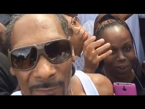 Snoop Dogg stops by the hood to let southpark shawty on his tourbus