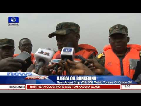 Illegal Oil Bunkering: Navy Arrest Ship With 670 Metric Tonnes Of Crude Oil 20/12/15