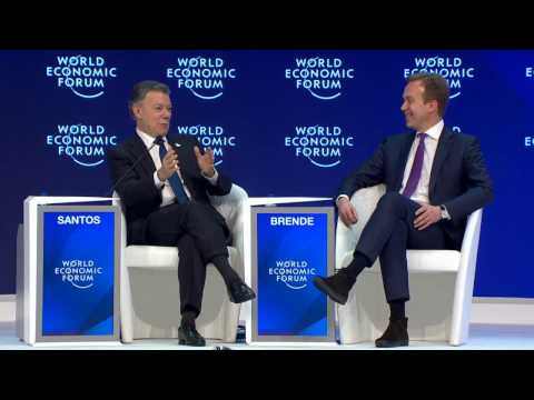 Davos 2017 - Global Statesman Award: Lessons from Peace in Colombia
