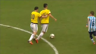 James Rodriguez pushed his teammate and the referee calls foul