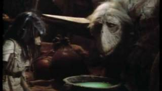 Jim Henson's The Dark Crystal (1982) - Trailer (english)
