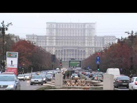 Bucharest In Your Pocket - Piaţa Unirii