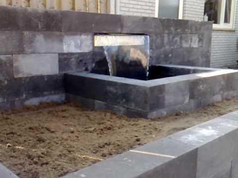 Waterval in uw tuin youtube for Zelf zwembad bouwen betonblokken