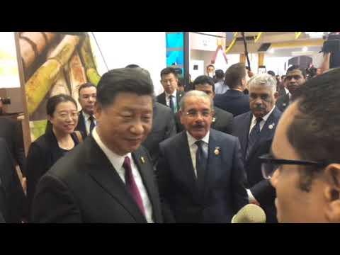 Danilo Medina recibe a homólogo chino, Xi Jinping, en stand de República Dominicana en CIIE