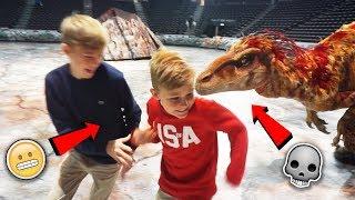 BLIR JAGADE AV DINOSAURIER IRL!! (T-Rex, Velociraptor, Diplodocus i verklig storlek)