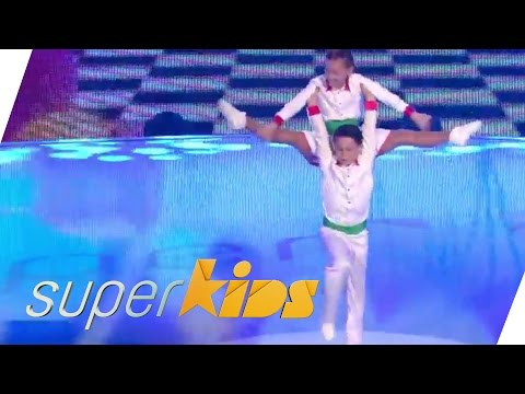 Traditional German Karnevalstanz - by 10yrs olds | Superkids