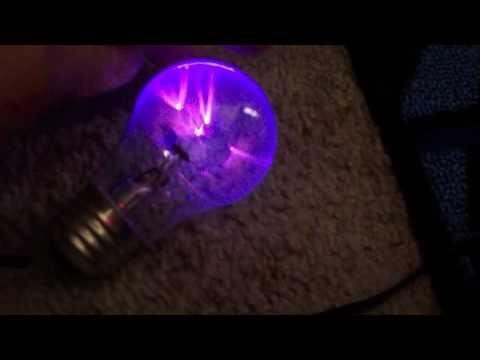Homemade Plasma Ball From A Lightbulb Cool Youtube