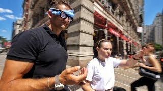 She's a Blind YouTuber by : CaseyNeistat