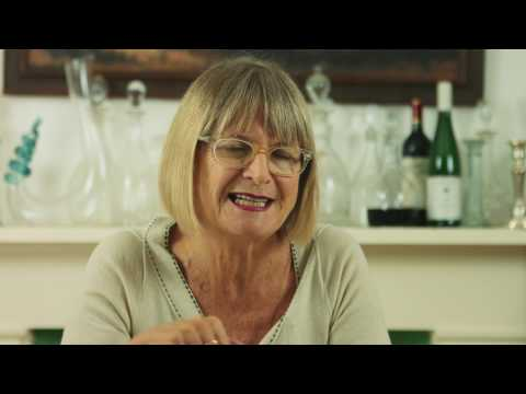 Jancis Robinson debunks the Champagne and Spoon myth