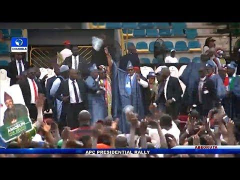 Angry Reactions As Buhari Raises Dapo Abiodun's Hands At Ogun APC Rally thumbnail